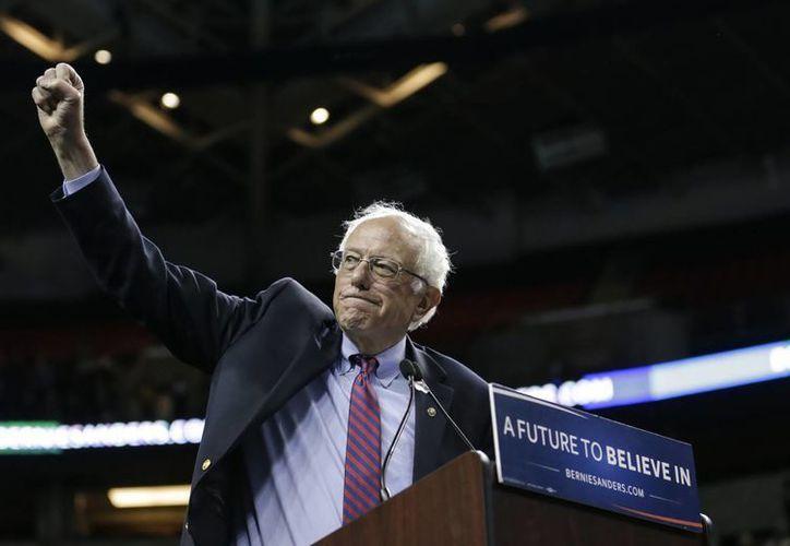 El senador Bernie Sanders ganó la elección primaria que se efectúa entre los demócratas estadounidenses que viven en el extranjero. (Agencias)