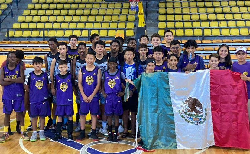 Los chetumaleños que representaron a México en el torneo. (Miguel Maldonado/SIPSE)