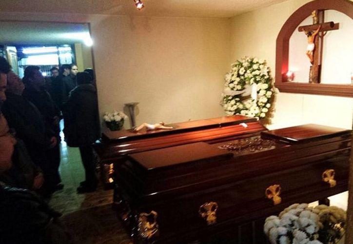 Los hermanos linchados en Ajalpan fueron velados en una funeraria de la delegación Iztapalapa. (excelsior.com.mx)