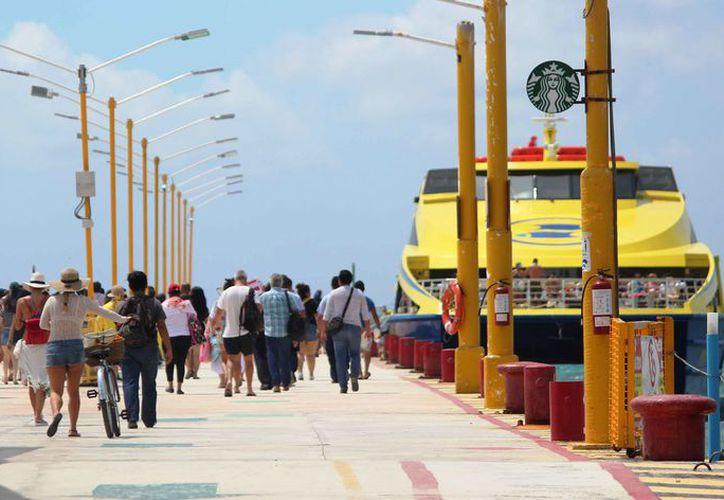 Los fines de semana es cuando se eleva el número de pasajeros. (Daniel Pacheco/SIPSE)