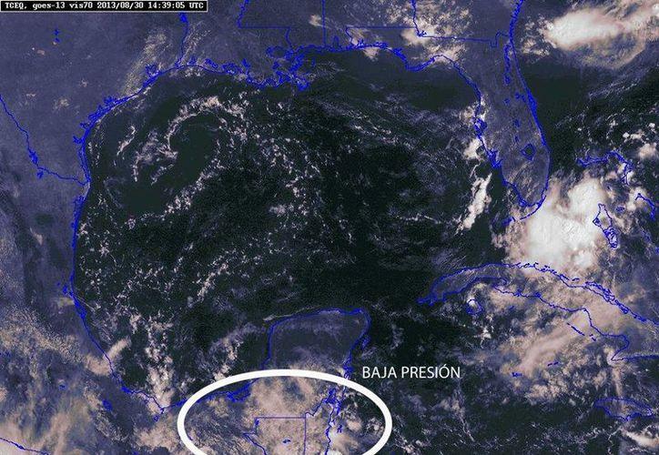 Cualquier sistema es detectado oportunamente. En la imagen, un área de baja presión al sur de la Península de Yucatán. (Facebook Conagua)