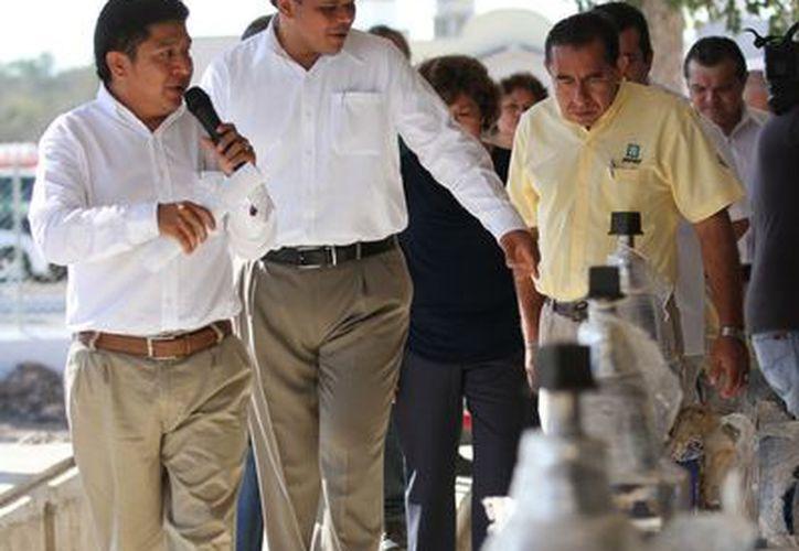 Ayer, el Mandatario entregó trabajos de electrificación en el fraccionamiento Ciudad Caucel II. (SIPSE)