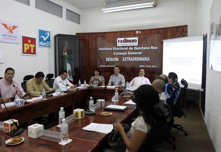 El Consejo General del Ieqroo insaculó al 10 por ciento de la lista nominal de los votantes. (Jorge Carrillo/SIPSE)