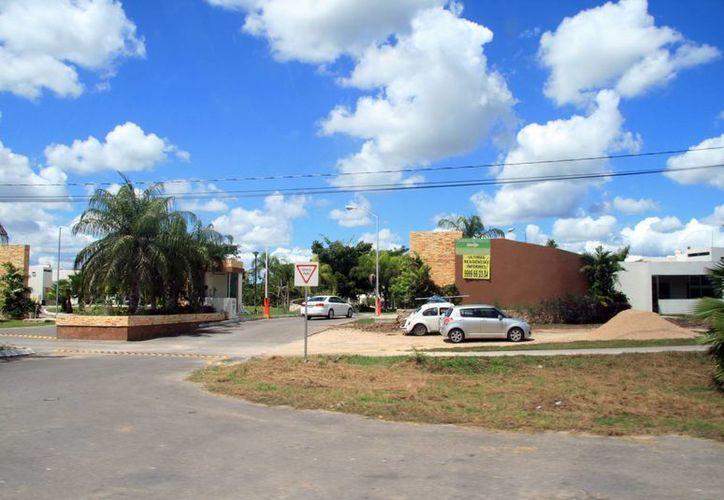 Aseguran que Yucatán está en franco crecimiento el sector inmobiliario. Se espera que en dos años llegará al Estado una inversión de 21 millones de dólares en construcciones. (Milenio Novedades)