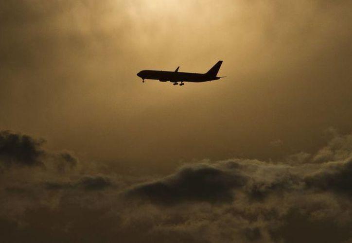 Las aerolíneas mexicanas enfrentarán un escenario más competitivo cuando entre en vigor un convenio signado con EU, el cual permite la entrada 'ilimitada' de empresas extranjeras al espacio áereo nacional. (Archivo/Notimex)