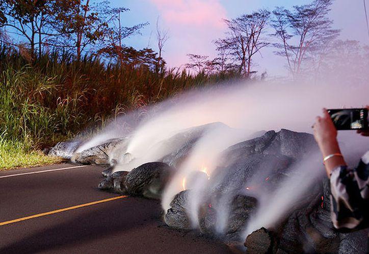 Responde Servicio Geológico a internauta sobre volcán en erupción. (Foto: RT)
