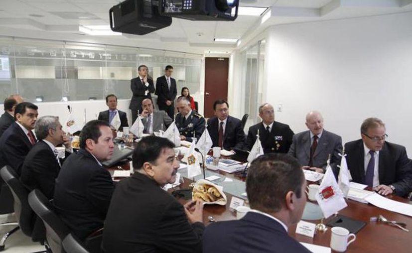 Se reúnen gobernadores de la zona centro con gabinete de Seguridad y Segob. (Foto tomada de @osoriochong)