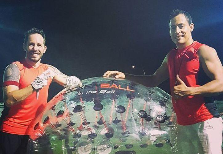 Este deporte ha ido ganando terreno en Europa, Australia, Japón, y ahora en Cancún. (Facebook: Knockerball Cancún)