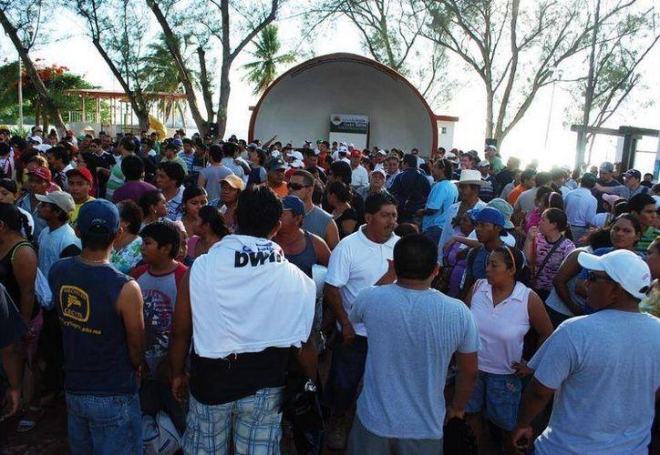 A partir de las 18:00 horas los chetumaleños podrán darse cita, para escuchar a grupos como: Sin Consecuencias, Rebel Circus, Sin Miedo a Creer y Grupo Laurel. (Redacción/SIPSE)