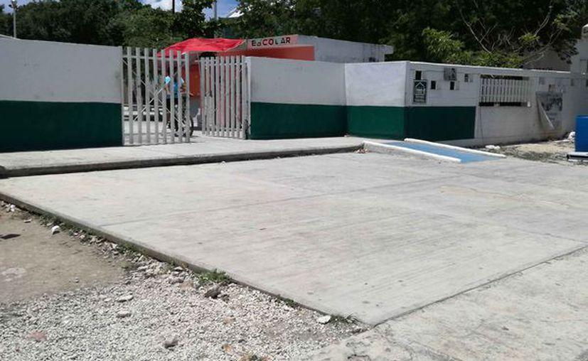 La escuela primaria se encuentra en el fraccionamiento La Guadalupana. (Octavio Martínez/SIPSE)