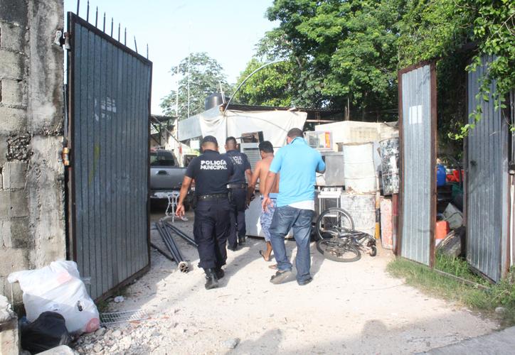 La familia reportó el caso a las autoridades, quienes levantaron el cuerpo horas después. (Redacción/SIPSE)