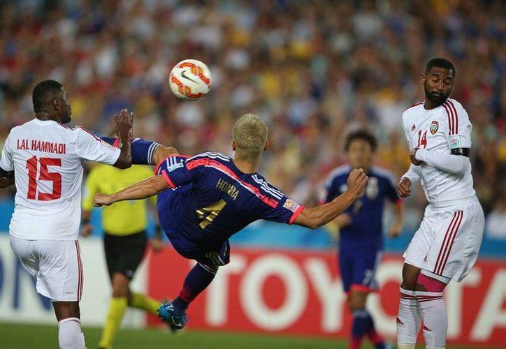 La Selección de Japón no pudo superar en tiempo regular a Emiratos Árabes Unidos, por lo que el partido se definió en tandas de penales. Japón quedó fuera de la Copa Asiática 2015, resultado que puso a temblar al director técnico Javier Aguirre. (AP)