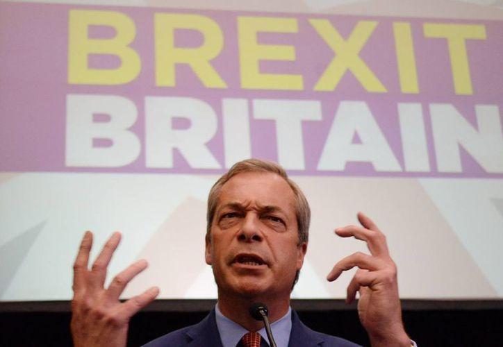 Nigel Farage  elegido por primera vez al Parlamento Europeo en 1999 y desde entonces revalidó su escaño en tres elecciones europeas más. (Agencias)