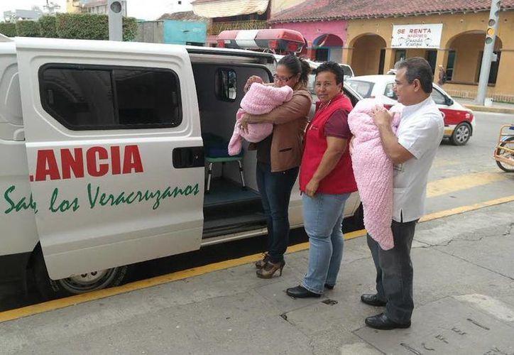 Las pequeñas fueron rescatadas y entregadas al DIF de Veracruz. (versiones.com.mx)
