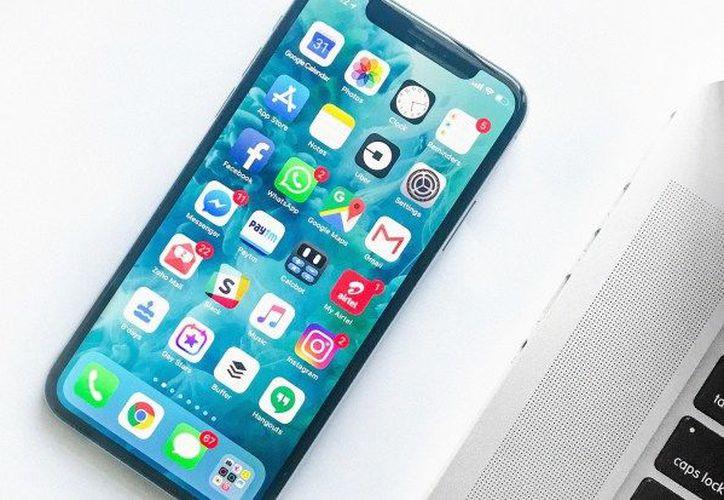 Durante el cuarto trimestre fiscal de 2017 Apple reportó ingresos de 61.400 millones de dólares en relación a sus smartphones. (Foto: Hipertextual)