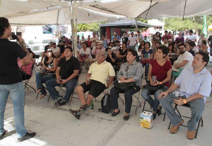 La plaza central de Puerto Morelos alojó el evento. (Tomás Álvarez/SIPSE)