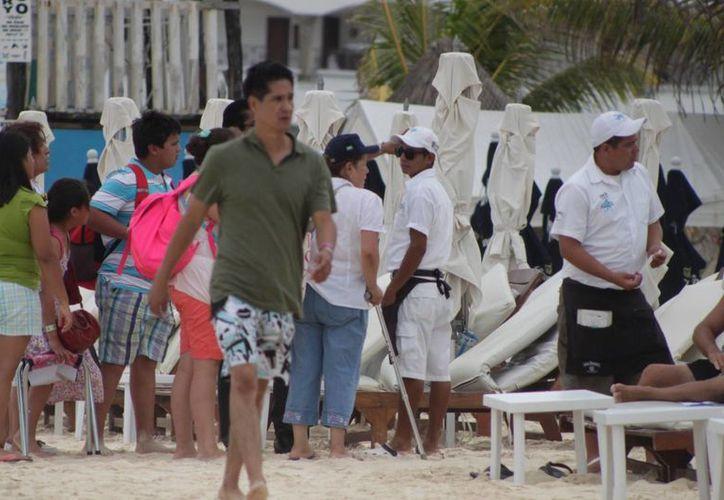 Turistas con alto nivel adquisitivo, ausentes en Playa del Carmen. (Adrián Barreto/SIPSE)