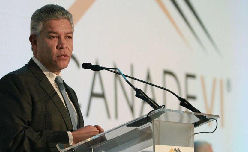 David Penchyna Grub, director del infonavit, dijo que siete bancos prestarán alrededor de 10 mil 500 millones de pesos mediante el Infonavit, a una tasa de 16.5 por ciento. (Archivo/Notimex)