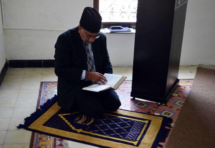 Los musulmanes hablan de respeto hacia los demás credos. Imagen del representante de la comunidad musulmana 'Ahmadia' en Mérida. (Milenio Novedades)