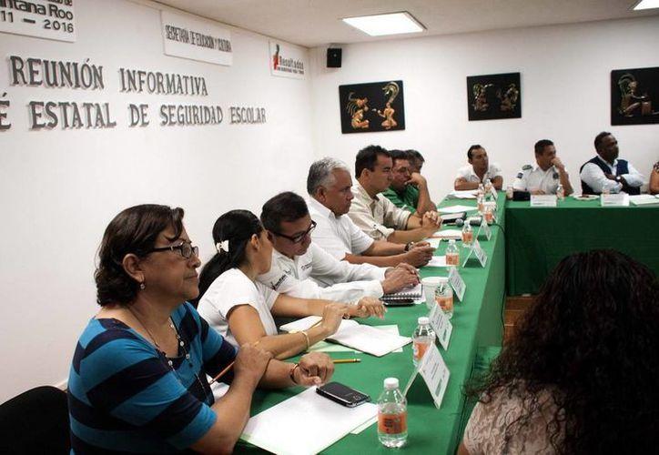 Durante la reunión se trataron temas de  bullying, adicciones, robos y vandalismo. (Redacción/SIPSE)