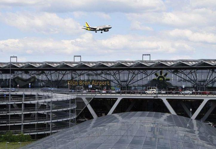 El aeropuerto de Bonn, en Alemania, fue objeto de una amplia revisión luego de una amenaza de bomba hacia un vuelo de Germanwings. (aeropuertos.net/Foto de contexto)