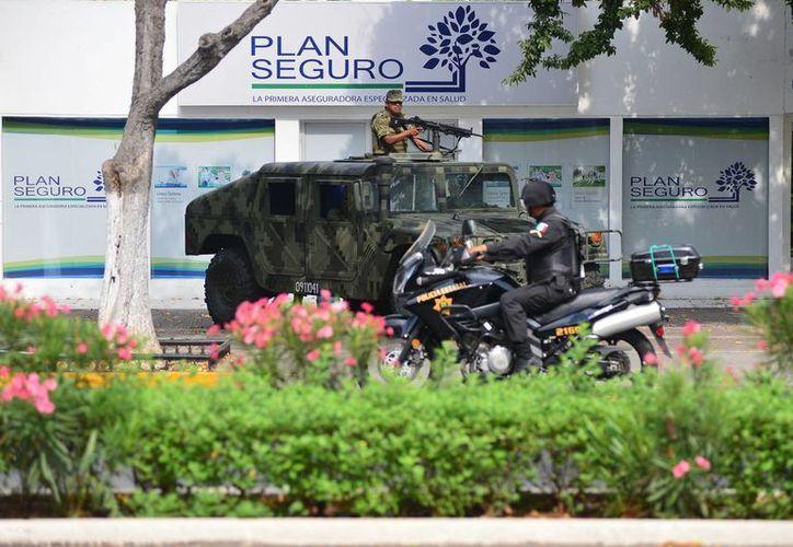 La seguridad ha sido evidentemente reforzada en la zona de Mérida donde se desarrollan los trabajos de las Cumbres del Caribe. (Luis Pérez/SIPSE)