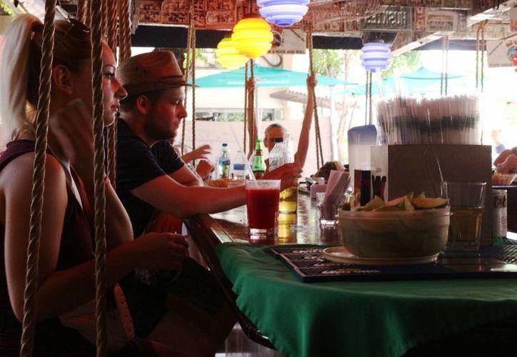 Los empresarios del ramo restaurantero piden más promoción para que su ocupación no siga cayendo. (Adrián Barreto/SIPSE)