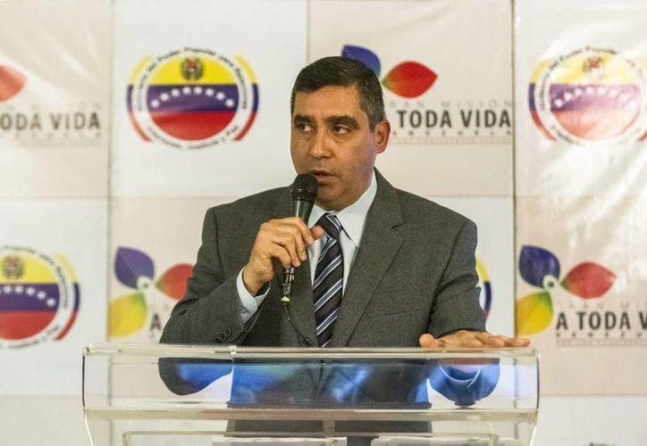 El ministro del Interior de Venezuela, Miguel Rodríguez Torres, informó que se ha recibido una cantidad considerable de armas de fuego. (EFE)
