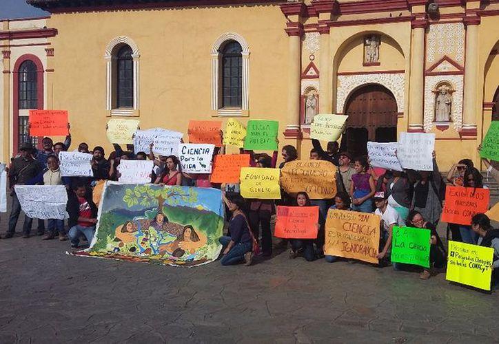 La protesta se realizó en la Plaza Catedral de San Cristóbal. (Milenio)