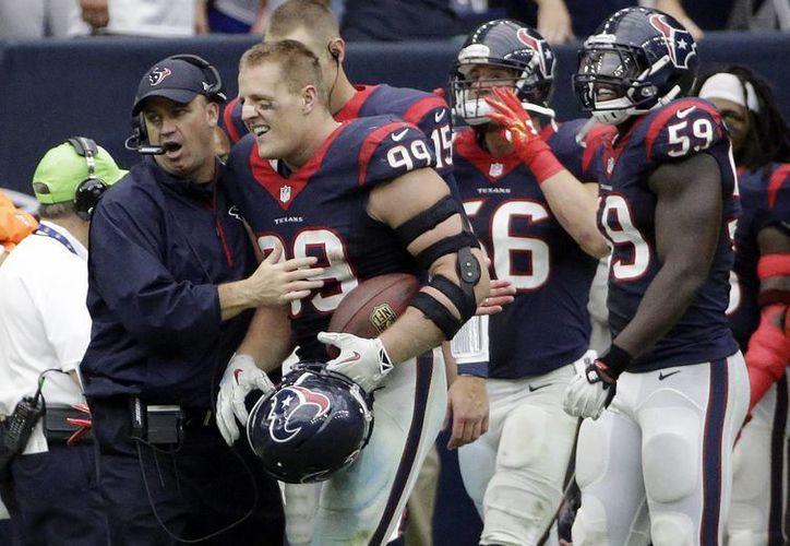 El duelo texano de este domingo se lo llevo Texans de Houston, al imponerse 23-17 a Bills de Búfalo. (AP)