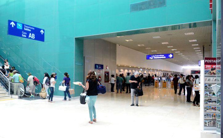 El aeropuerto de Mérida registra cada vez más pasajeros locales. En los últimos 10 años, la cifra se duplicó. (SIPSE)