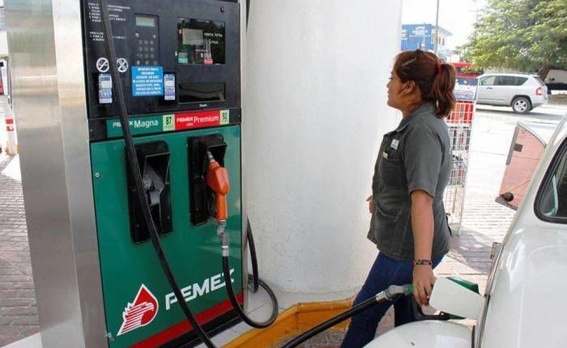 Ciudadanos chetumaleños han denunciado en redes sociales, una serie de irregularidades en la venta del combustible. (Redacción/SIPSE)
