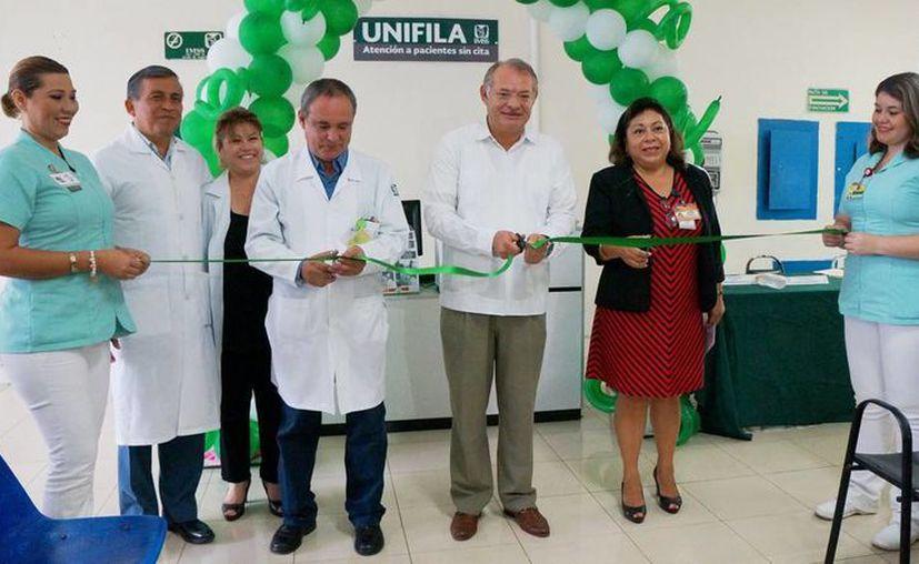 Con el programa Unifila, el IMSS asegura que los pacientes sin cita no esperarán más de 30 minutos para recibir atención médica. (SIPSE)