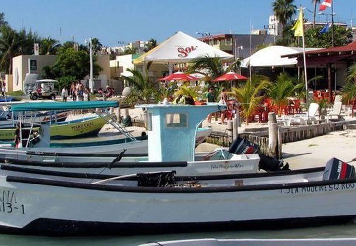 En Quintana Roo existen 2 mil 500 pescadores cooperativos y 500 permisionarios. (Cortesía/SIPSE)