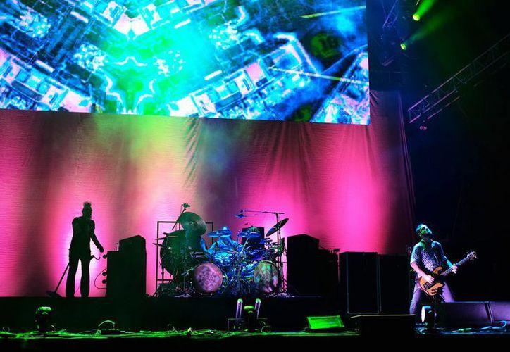 La fijación de Tool por el cuerpo humano se reflejó en las pantallas del escenario del concierto que ofrecieron en la Cumbre Tajín, donde se mostraron cráneos, siluetas de seres no vivos y cabezas deformándose. (Notimex)