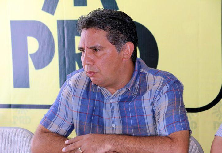 El presidente estatal del PRD, Alejandro Cuevas Mena, declaró que se establecieron cinco requisitos para pertenecer al padrón. (Foto: Milenio Novedades)