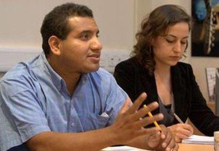 El abogado de los padres de los normalistas indicó que el gobierno rediseñará la búsqueda de los jóvenes. (Milenio)