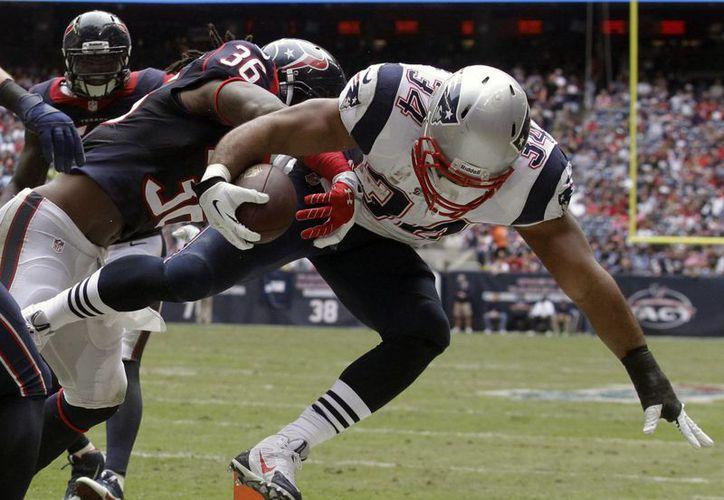 Los Patriots volvieron a necesitar de una gran segunda mitad para vencer a Houston. (Agencias)