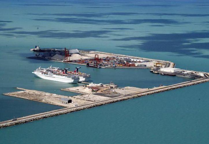 La falta de inversión pública en el mejoramiento de servicios y la imagen del puerto de Progreso, limita el aprovechamiento de su potencial turístico.  (Archivo SIPSE)