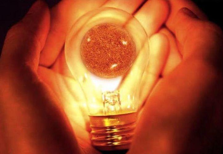 """De acuerdo con los científicos chinos, donde quiera que haya una lámpara, existirá una conexión a internet por """"Li-Fi"""". (Agencias)"""