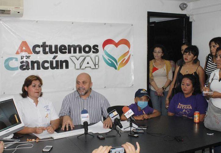 La Fundación Aitana y el Movimiento Ciudadano Actuemos por Cancún en conferencia de prensa. (Jesús Tijerina/SIPSE)