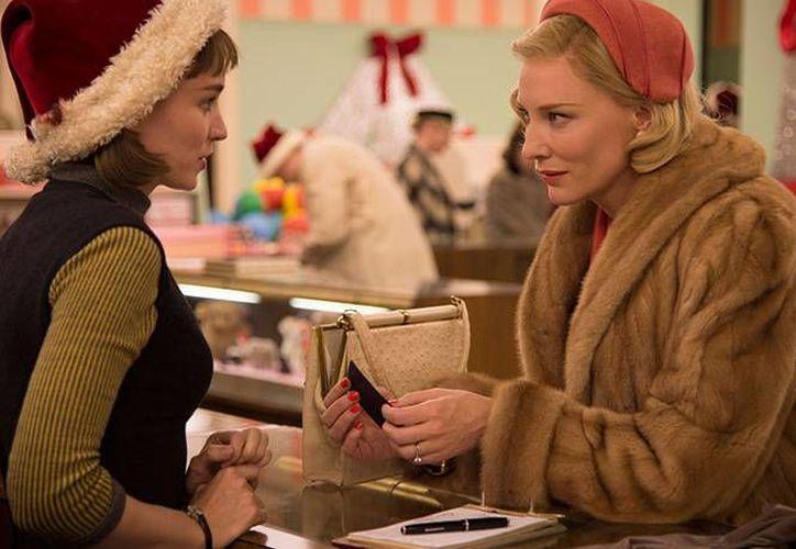La película también se encuentra nominado en las categorías de Mejor Película de Drama, Mejor Director y Mejor Banda Sonora Original. 'Carol' se perfila para llevarse los máximos galardones de los Globos de Oro. (Excélsior)