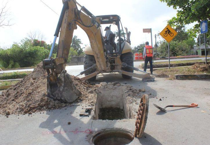 El sistema colapsó cuando varios vecinos se conectaron a la red de drenaje sanitario, pues presentaba problemas de construcción.