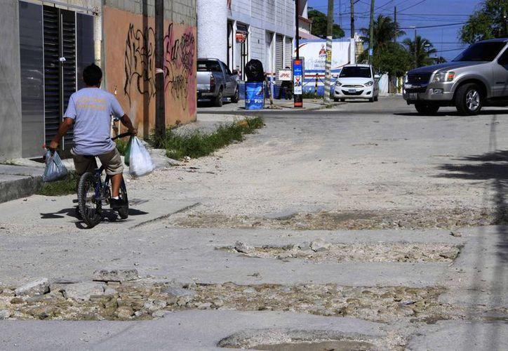 En el transcurso de los últimos dos años, los arreglos se han concentrado en calles interiores de las regiones. (Tomás Álvarez/SIPSE)