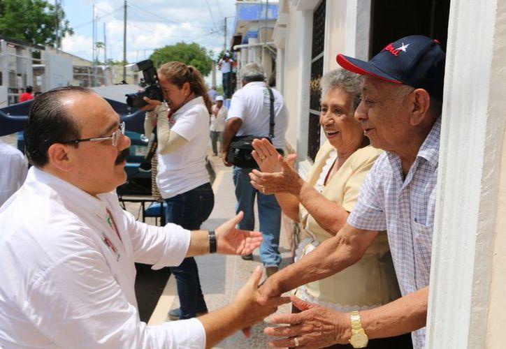 Habrá guarderías a lo largo y ancho de Yucatán para que ninguna mujer se quede sin trabajar o estudiar, asegura el candidato a senador. (Milenio Novedades)