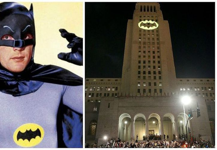 La batiseñal es una estela de luz con el emblema alado de Batman. (Foto: Contexto/Internet)