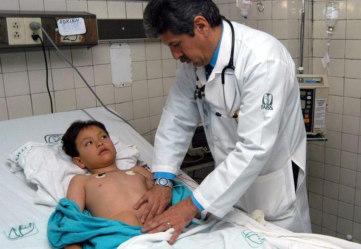 El rotavirus afecta más a infantes y se manifiesta con una gastrointeritis acompañada de diarrea. (Milenio Novedades)
