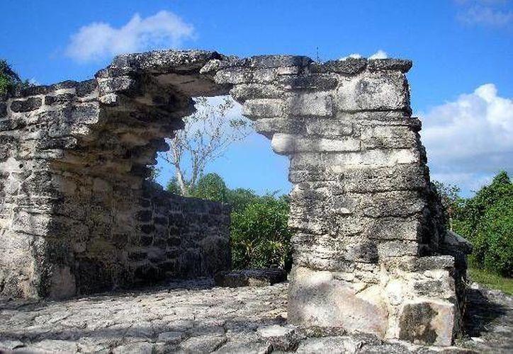 De acuerdo con el INAH San Gervasio es el sitio más grande e importante de Cozumel y el único que cuenta con un programa permanente de conservación e investigación arqueológica.   (Foto de Contexto/Internet)