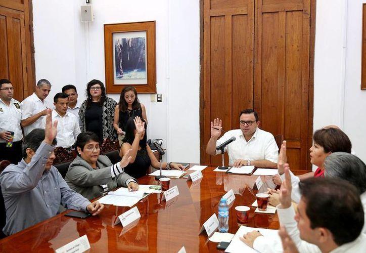 La Uady y el Instituto de Equidad de Género unirán esfuerzos para realizar el Observatorio de la Violencia Social en Yucatán. Los datos servirán para trabajar sobre programas de prevención del problema. (Milenio Novedades)