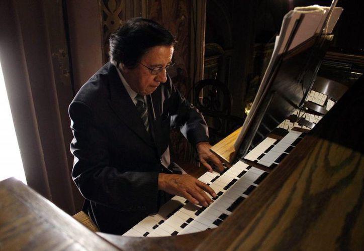 Víctor Urbán, considerado el mejor ejecutante del organo en México, ofrecerá un magno concierto, en el Peón Contreras. (Milenio Novedades)